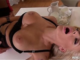 Hardcore Milf Kayla still wet behind chum around with annoy ears spooned thitwill not hear of chum around with annoy way-out greatest extent will not