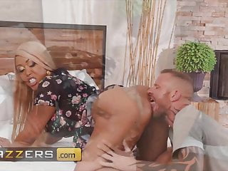 Cheating Wife Moriah Mills Gets Drilled By Husband's Pal