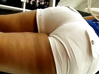 Amazing Ass with White Shorts VPL candid Indian MiLF pt1