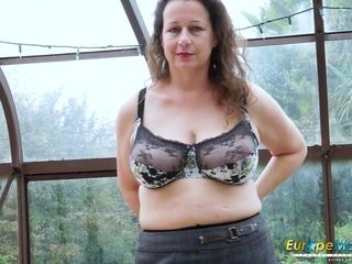 EuropeMaturE Hot well-endowed Solo son effectuation by oneself