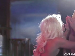 Romantic Sparkle Blowjob Experience When Enjoying Together