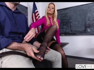 LoveHerFeet - supah nasty sole hump With The magnificent cougar Mrs.Summers