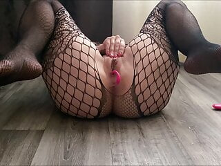 Red-hot bootie stunner Ardentina plays with remote manage magic wand