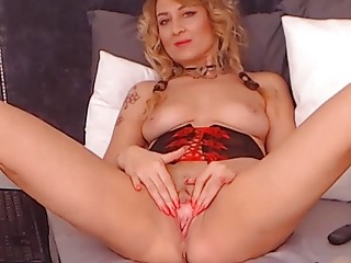 Dimitrena from Plovdiv, Bulgaria - She Likes Open Her Cunt