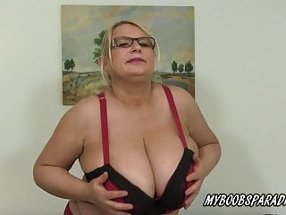 Immense breasts milf Samantha Sanders in stocking