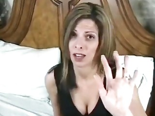 Pulverize to ejaculation with stepmother's butt