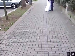 DEBT4k. Loan chief gives bride a opportunity to get rid off her debt