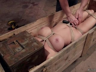 Big knockers mom slave screwing big knob