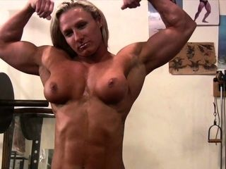 Without bra chick Bodybuilder With astounding Physique in the Gym