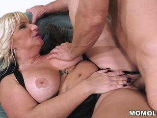 Huge-chested grandmother wants her lover's XXL pipe