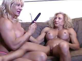 2 mature muscle gals lezzie bang-out