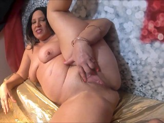 Mom Spreads Her Pussy and Ass Such a Dirty Mommy