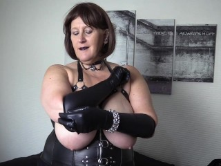 Big Tit Mature Goth with leather Glove Fetish