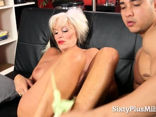 Hot GILF with the addition of the brush major anal peel