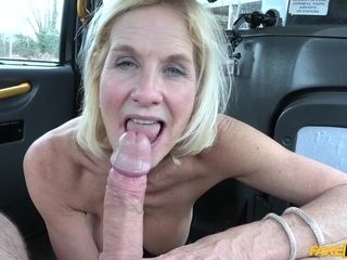 Coitus addicted gilf Molly romped like a street biotch in cab cab