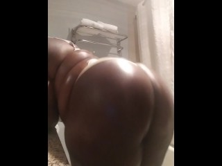 Cocoslobsdabest soaked in Baby Oil