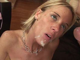 Exciting mom i´d like to fuck's chubbies cunt gobbled out and deeply shagged from behind