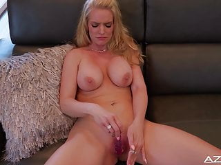 Blond cougar RACHAEL CAVALLI GETS nude completing WITH ejaculation