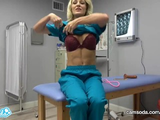 CamSoda - Nurse420 faps at Work during lunch