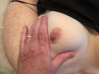 Bouncy donk cougar railing fuckpole